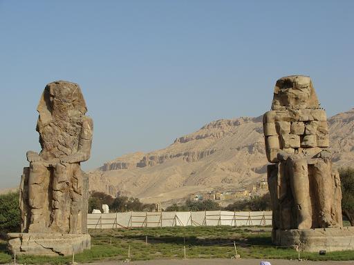 メムノンの巨像.PNG